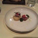 Makreel,bulgur, critrus vinigrette, rundertartaar, aardappelcroutons