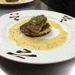 foie gras de canard poêlé, blinis et crème de chataigne