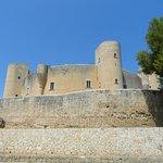 Замок Бельвер снаружи