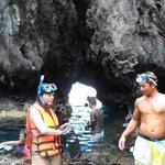 El Nido Secret Beach Cave access