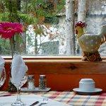 Très jolie arrangement pour les tables