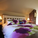 Room 5 - Upper Level, King Bed