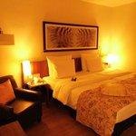 Zimmeransicht mit eingeschalteter Beleuchtung