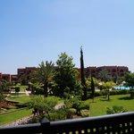 "Vue de notre balcon ""suite n°259 vue piscine"""