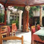 Hotel/Restaurant Courtyard