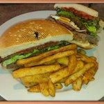 Cosis burger & chips