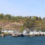 Port Askaig mit Hotel auf linker Seite