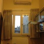 kitchen/lounge window