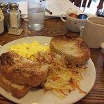 Eggs, hash brown & toast $6.95