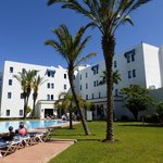 Ibis Tanger Free Zone, côté piscine