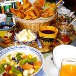 Breakfast at Villa L'Aimée