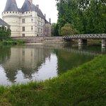 Chateau avec le pont et le moulin