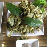 茶葉の天ぷらは美味
