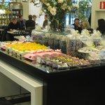 можно купить наборы конфет и шоколад