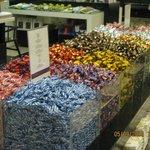 можно купить конфеты в развес