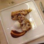 Apple strudel for dessert)