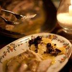 Pesce al forno con olive nere e patate