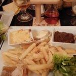 assiette ch'tis: potchevleesch, carbonade flamande, welsh, poulet au maroilles