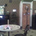 Кафе Казанское играет живая музыка, фортепьяно.