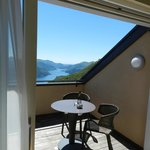 Terrasse mit Blick auf See