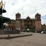 Plaza de Armas e a Catedral