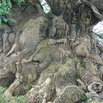 Carved tree...how many animals are there?