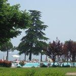 Sul lago con posto auto gratuito 'ottima location'