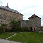 Замок во всей красе