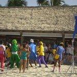 staff de animacion - circo en la playa