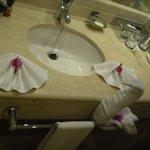 baño de la habitacion doble standart con bañera,, un tipp: llevar enjuagues
