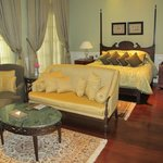 Colonial suite 4