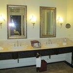 Colonial suite  banheiro