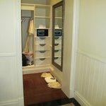 Colonial suite 5