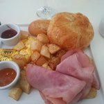 Breakfast at the Kitchen House Miami (the hotel restaurant)