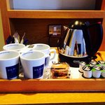 Tea and coffee making facilities in bedroom and biscuits :)
