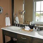 Double Sink Area