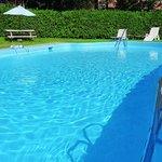 Our heated pool is open all summer / Notre piscine chauffée est ouverte tout l'été