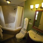 Spa tub in Room 15