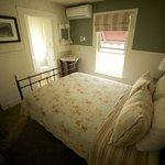 Queen room in adjoining rooms 2 & 4
