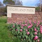 Highland Park - Entrance sign