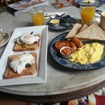 An awesome breakfast to kick start the day :)