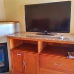 Fireplace & HDTV Directv in each room