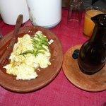 Huevos revueltos en el desayuno