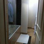 bathroom in windsor room