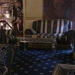 Una parte del salón del hotel Mondiale