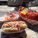 Le homard au court bouillon et le fameux lobster roll