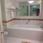 Bathroom with large bathtub in Ocean view room level 21