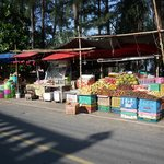 fruit vendors across Naithon