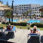 l'hôtel et piscine