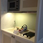 Kichenette with sink, cooking top and microwave